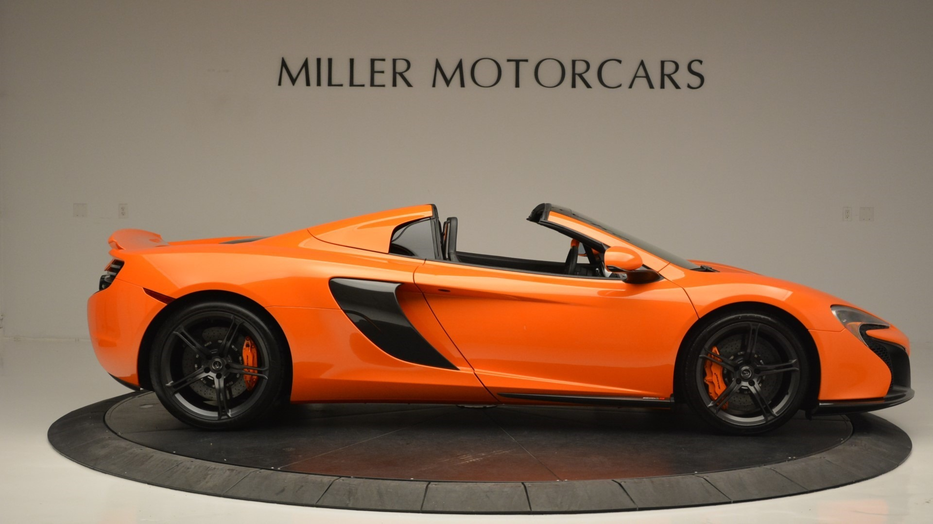 Used 2015 McLaren 650S Spider Convertible For Sale In Greenwich, CT 2375_p9