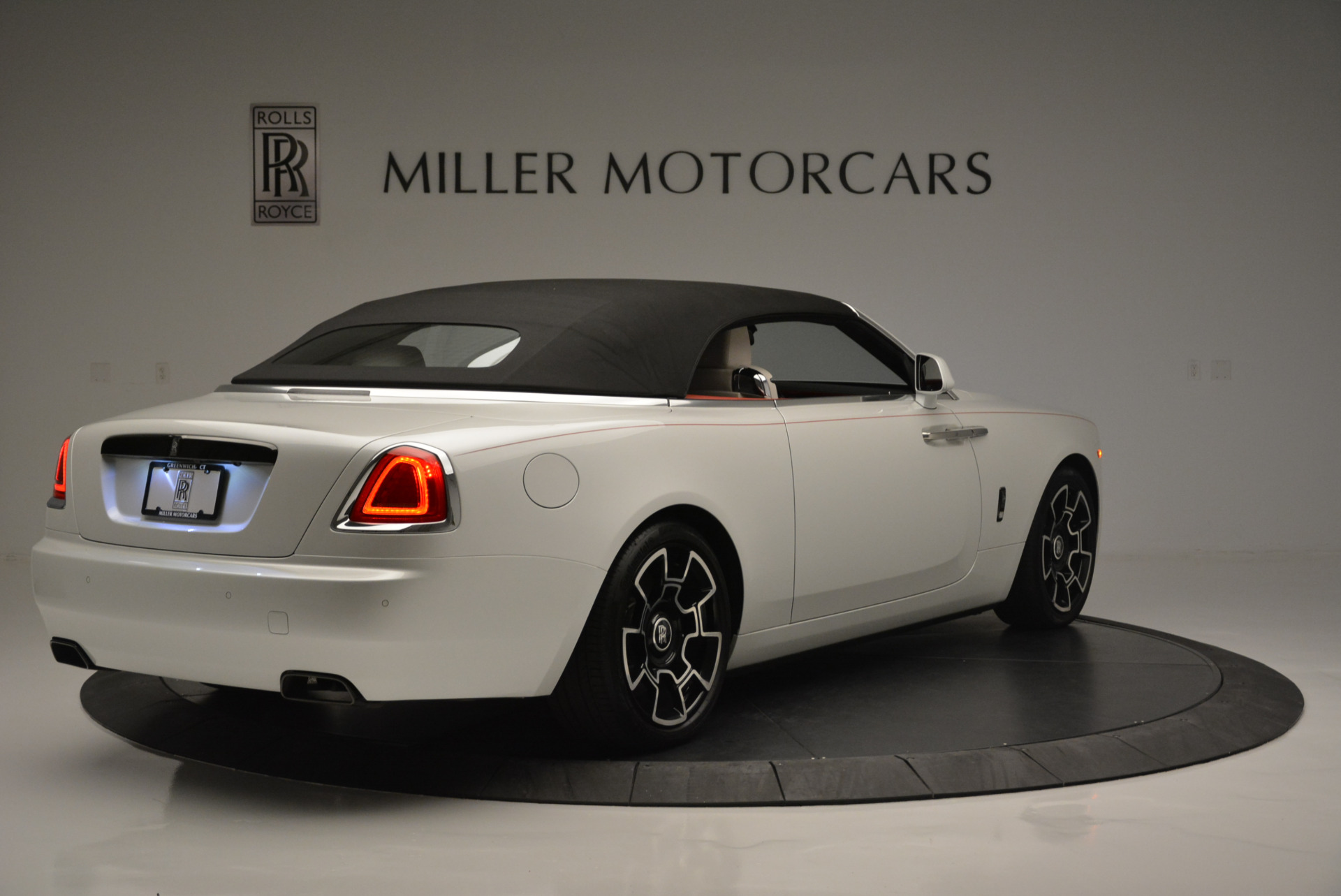 Used 2018 Rolls-Royce Dawn Black Badge For Sale In Greenwich, CT 2376_p13