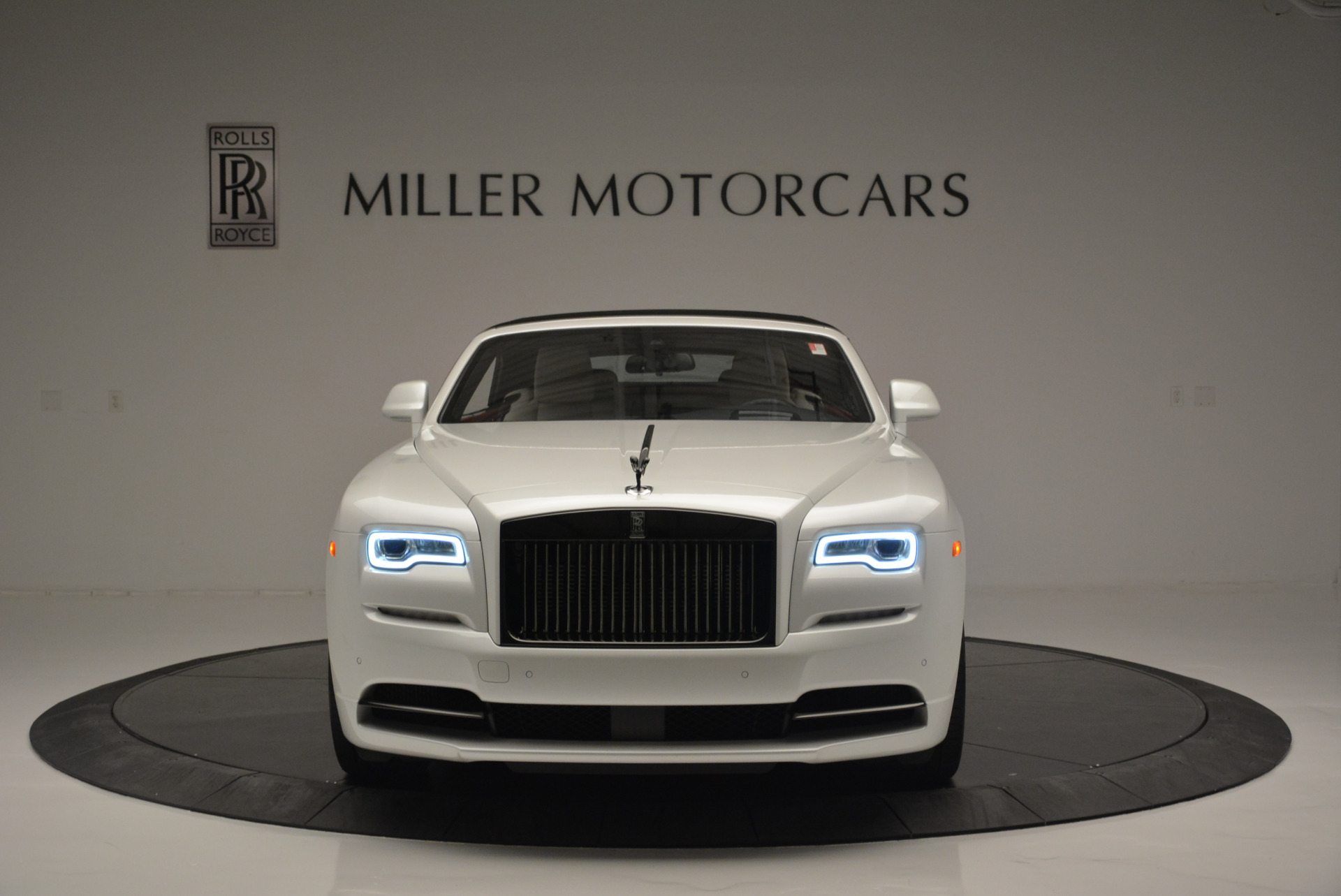 Used 2018 Rolls-Royce Dawn Black Badge For Sale In Greenwich, CT 2376_p16