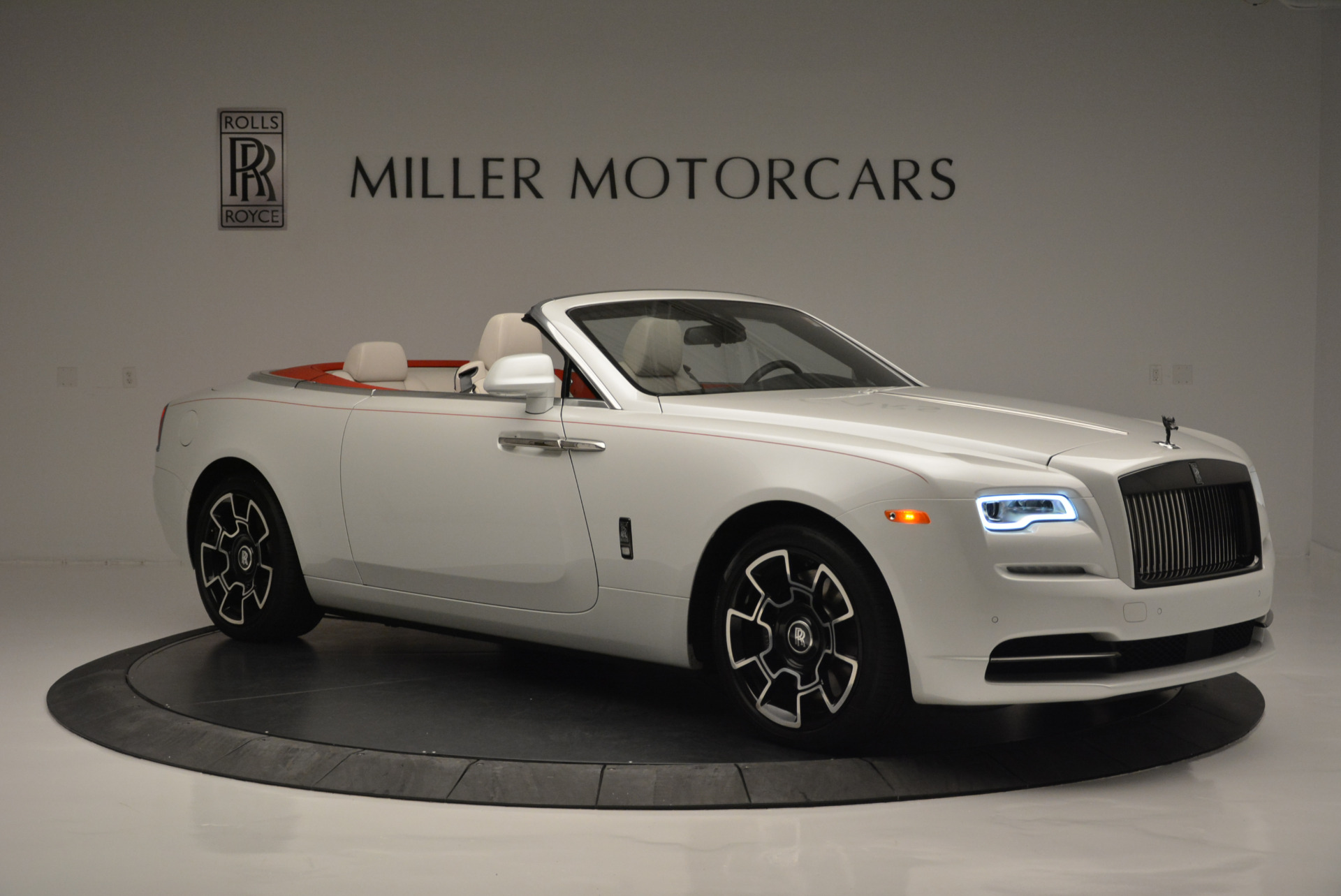 Used 2018 Rolls-Royce Dawn Black Badge For Sale In Greenwich, CT 2376_p7