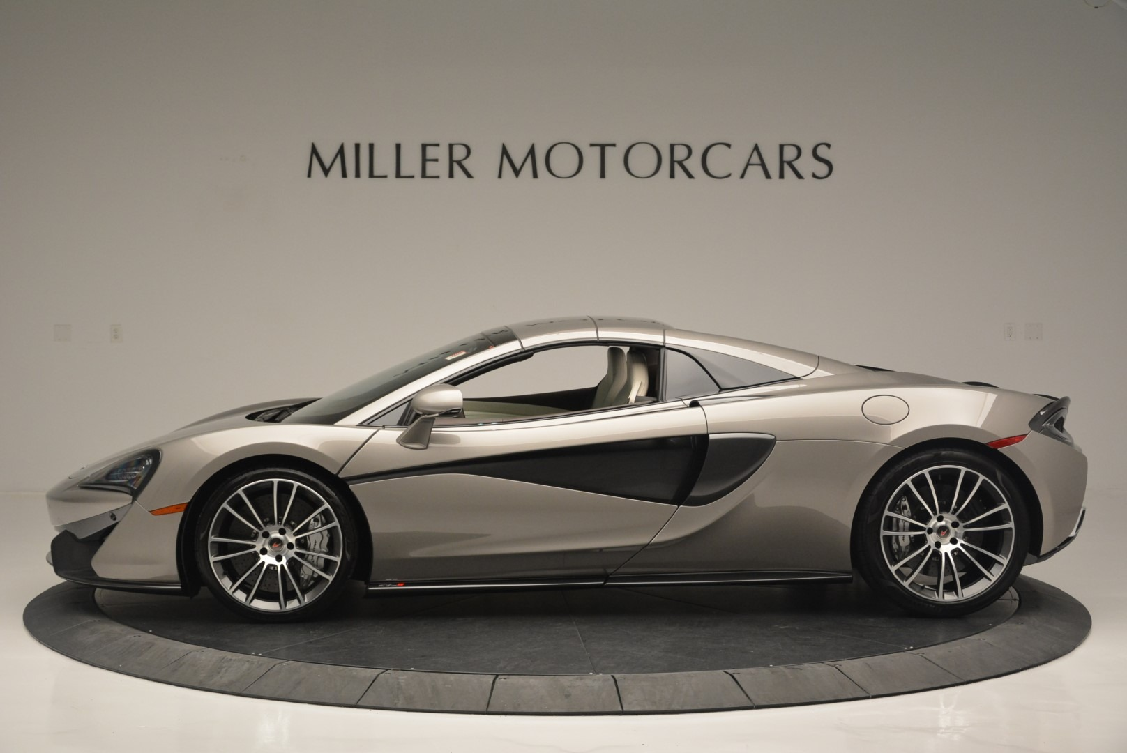New 2018 McLaren 570S Spider For Sale In Greenwich, CT 2387_p15