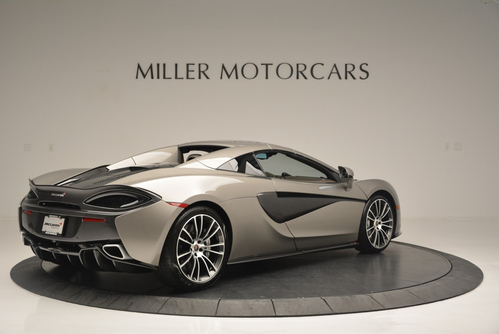 New 2018 McLaren 570S Spider For Sale In Greenwich, CT 2387_p18