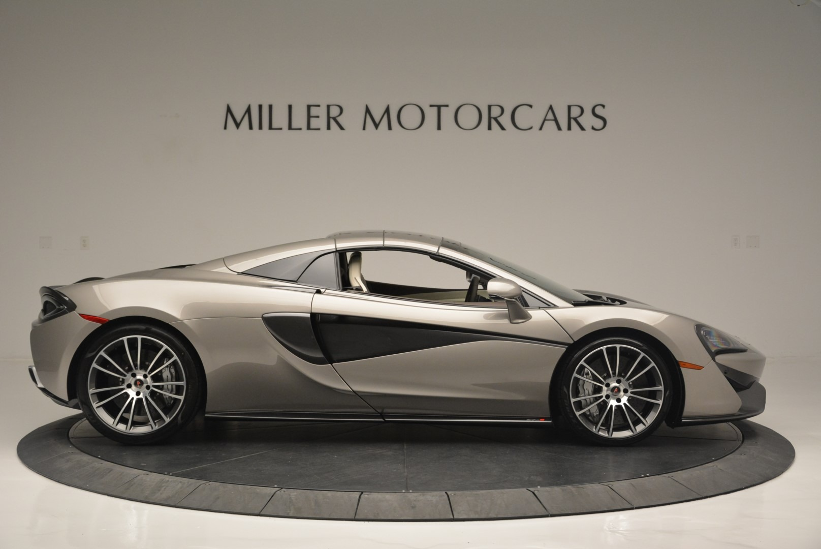 New 2018 McLaren 570S Spider For Sale In Greenwich, CT 2387_p19