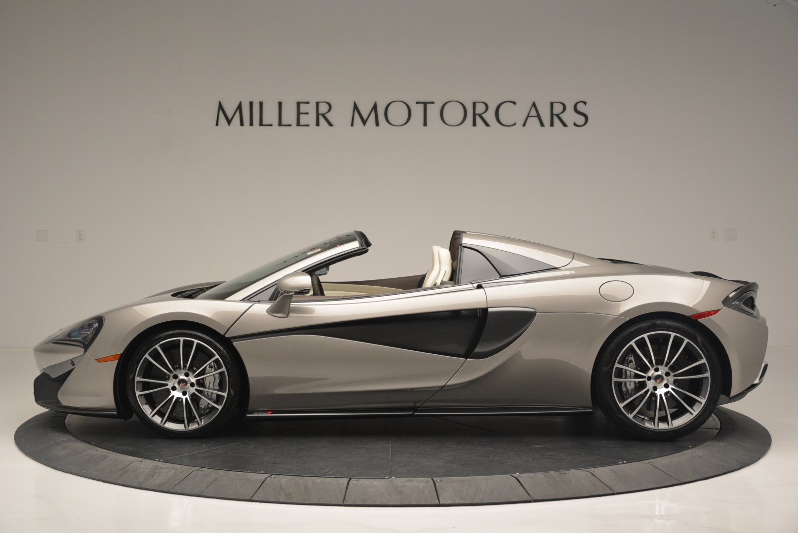 New 2018 McLaren 570S Spider For Sale In Greenwich, CT 2387_p3