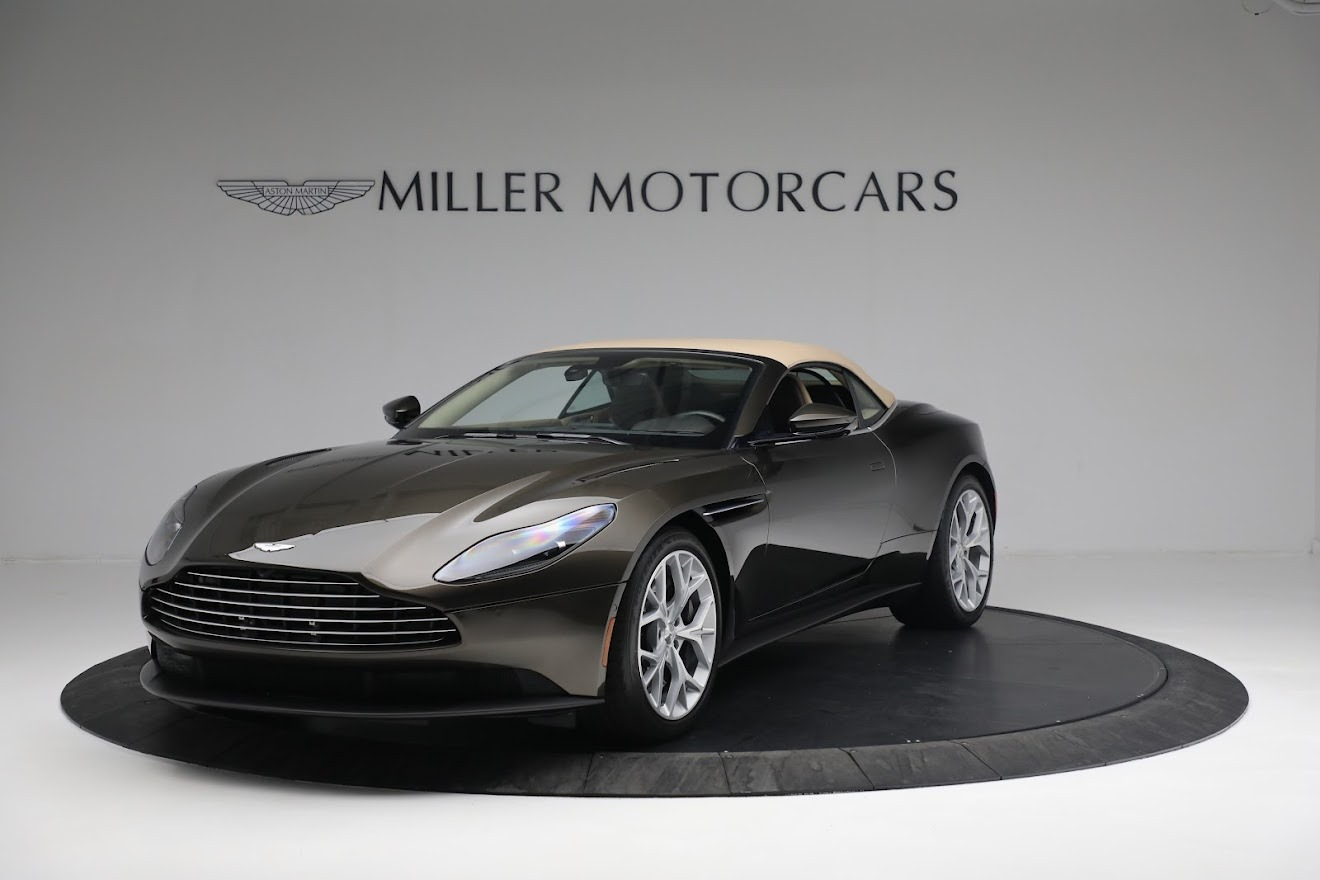 New 2019 Aston Martin DB11 V8 Convertible For Sale In Greenwich, CT 2410_p13