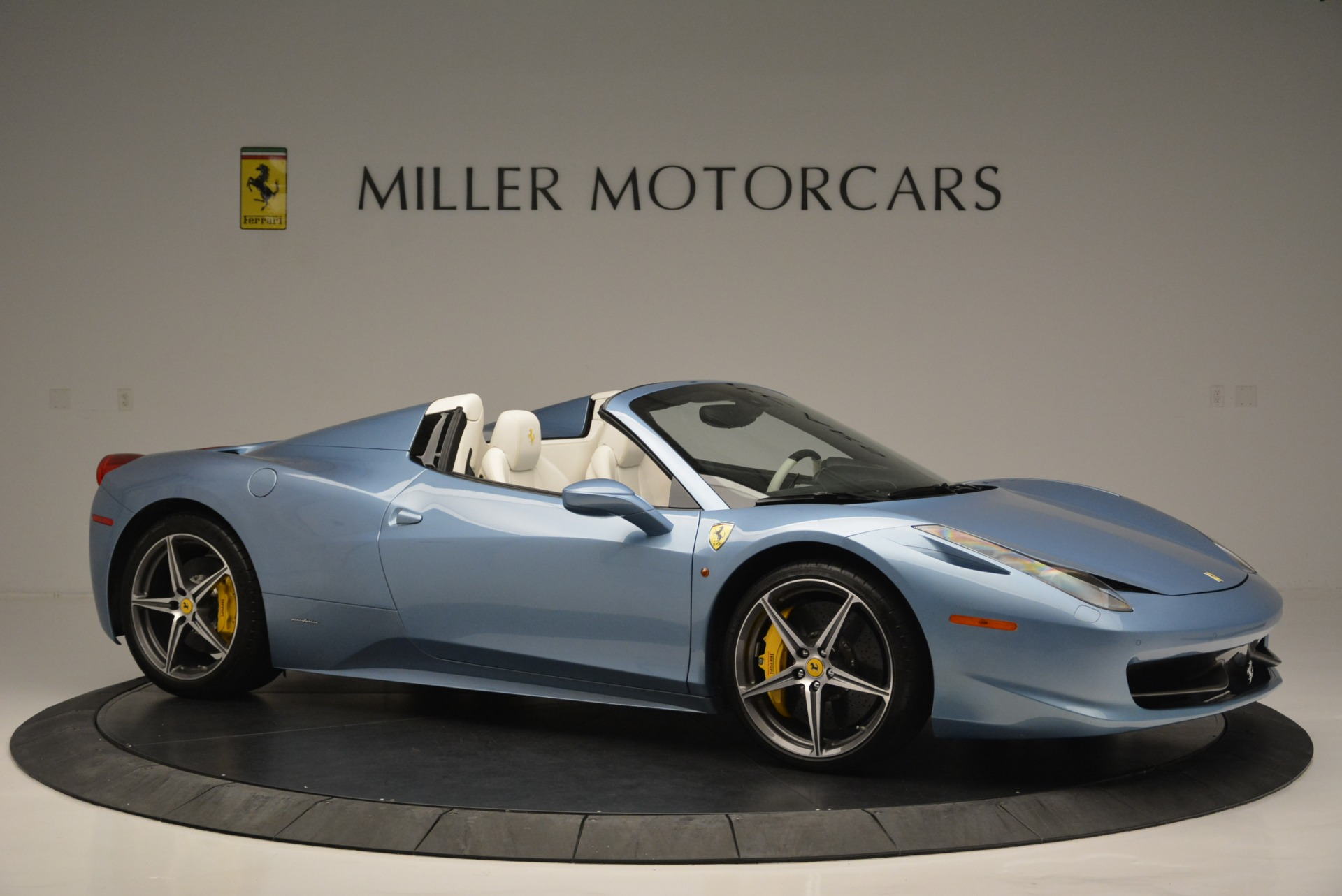 Used 2012 Ferrari 458 Spider  For Sale In Greenwich, CT 2413_p10