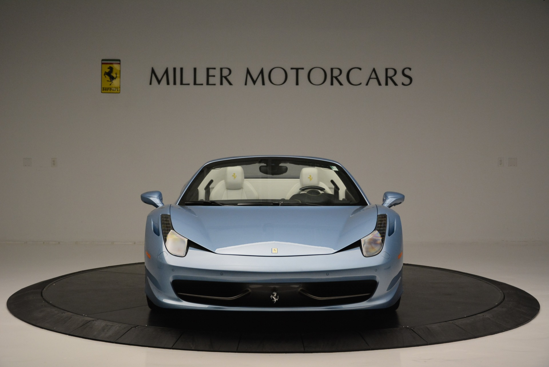 Used 2012 Ferrari 458 Spider  For Sale In Greenwich, CT 2413_p12