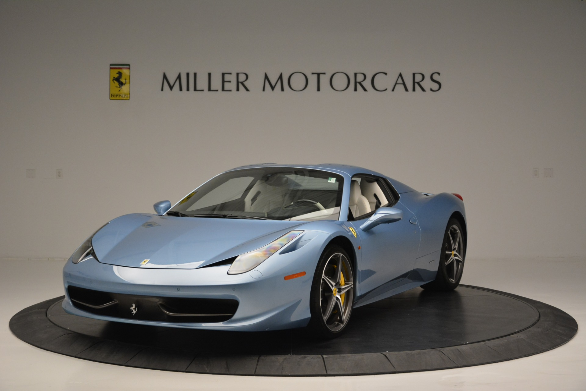 Used 2012 Ferrari 458 Spider  For Sale In Greenwich, CT 2413_p13