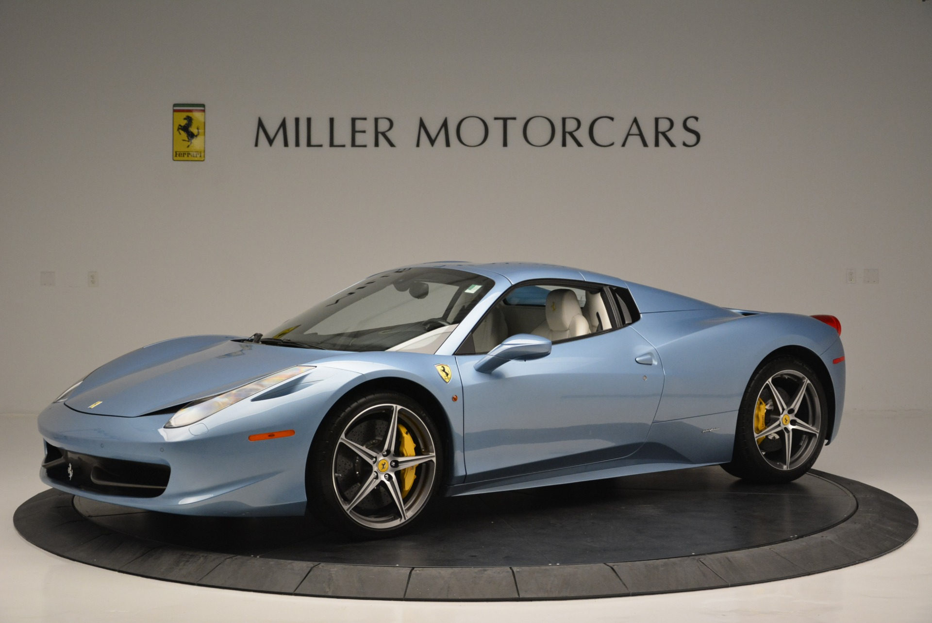 Used 2012 Ferrari 458 Spider  For Sale In Greenwich, CT 2413_p14