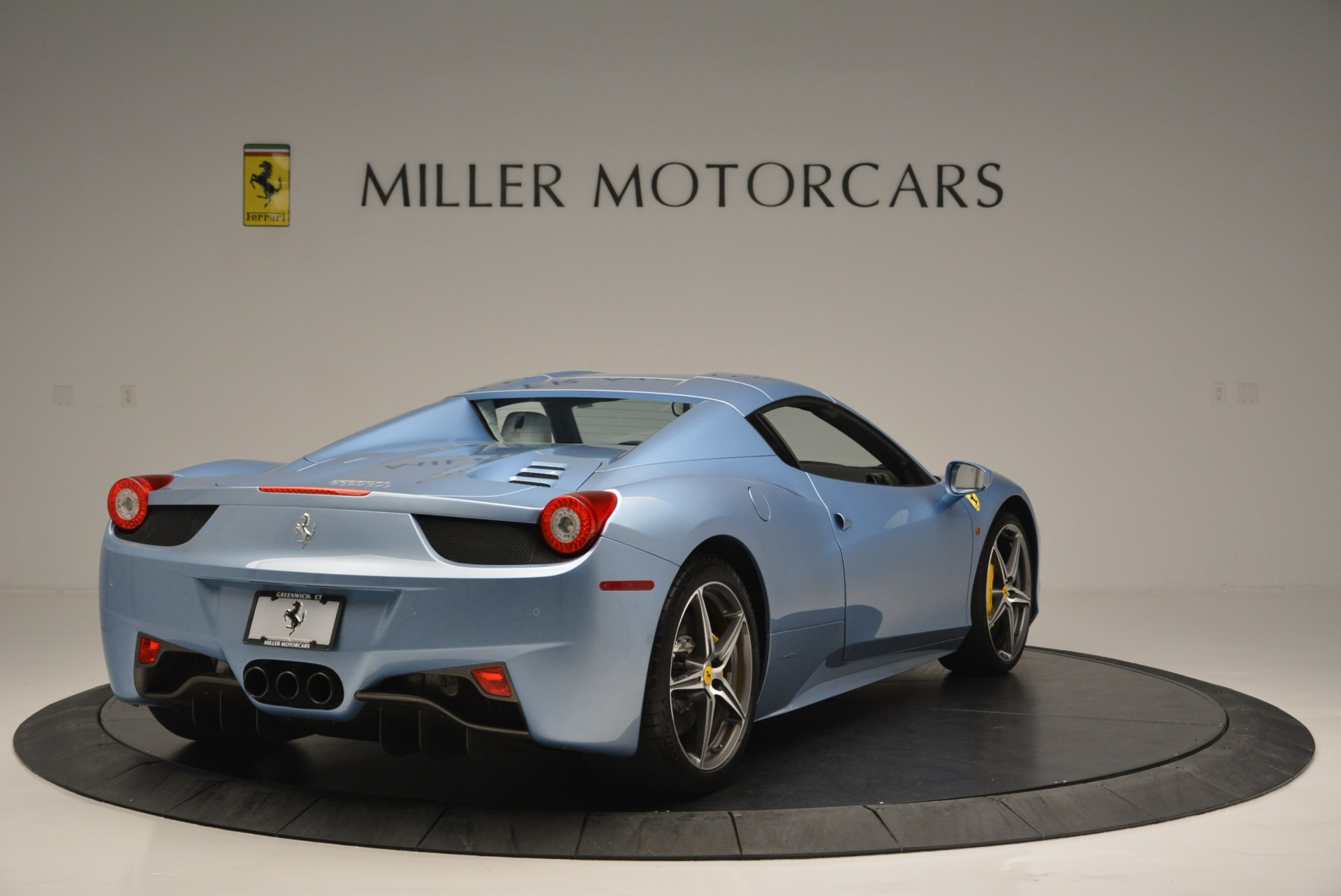 Used 2012 Ferrari 458 Spider  For Sale In Greenwich, CT 2413_p19