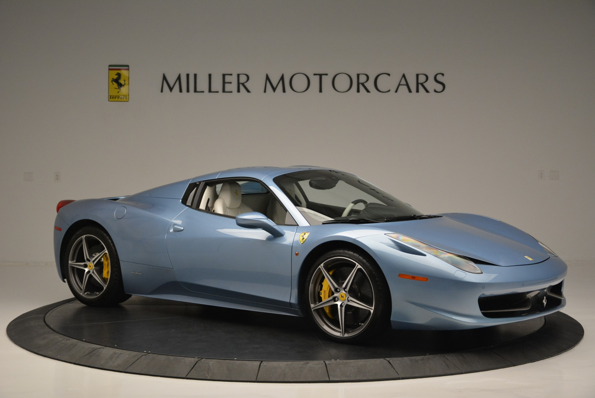 Used 2012 Ferrari 458 Spider  For Sale In Greenwich, CT 2413_p22