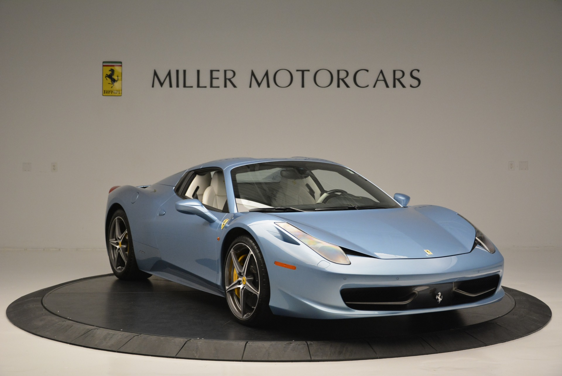Used 2012 Ferrari 458 Spider  For Sale In Greenwich, CT 2413_p23