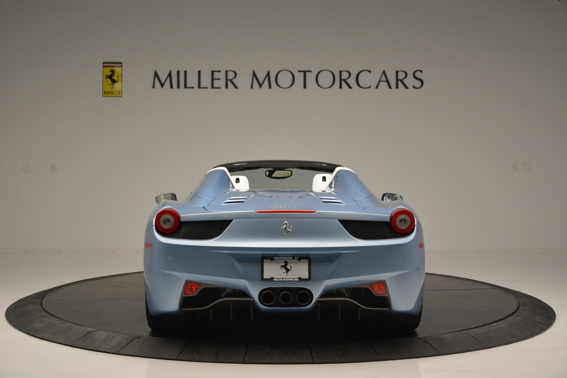 Used 2012 Ferrari 458 Spider  For Sale In Greenwich, CT 2413_p6
