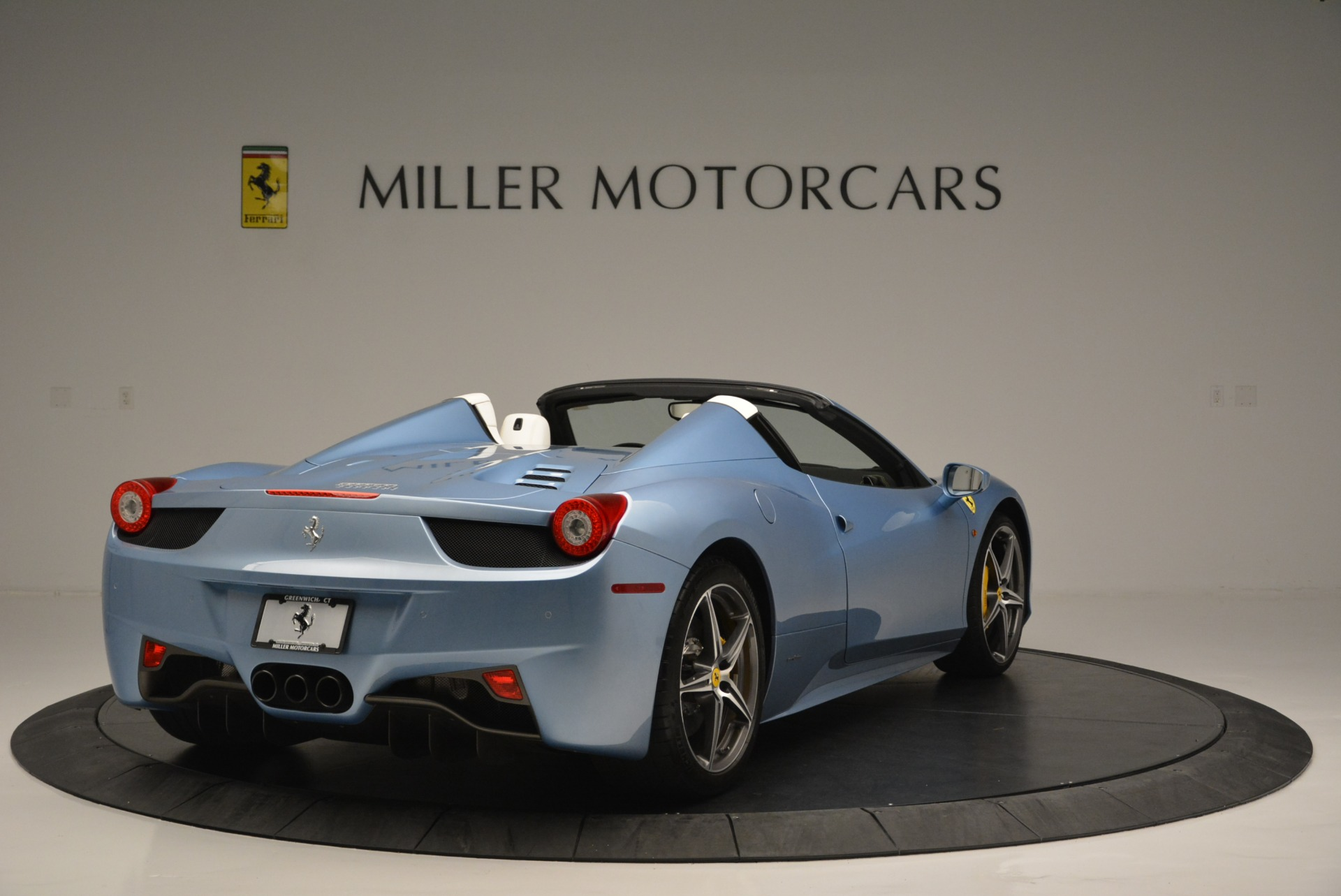 Used 2012 Ferrari 458 Spider  For Sale In Greenwich, CT 2413_p7