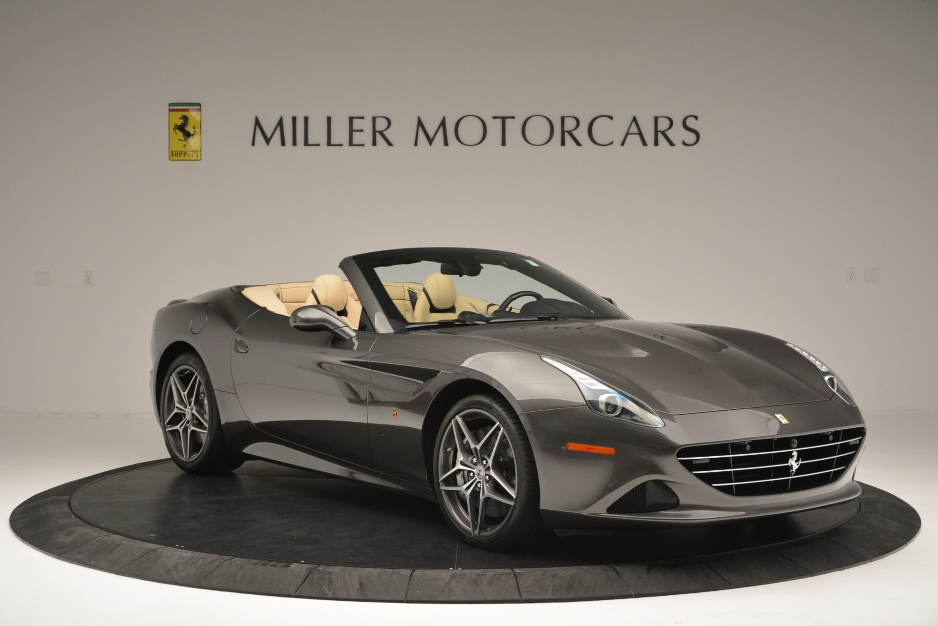 Used 2015 Ferrari California T  For Sale In Greenwich, CT 2415_p11