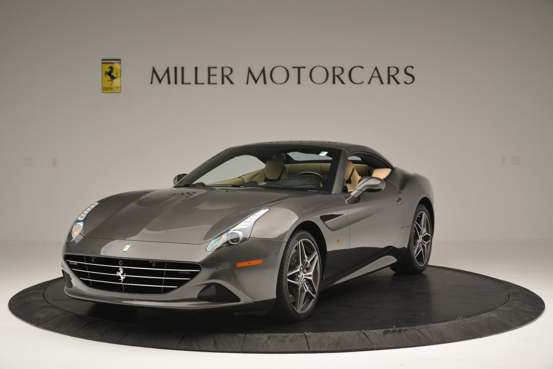 Used 2015 Ferrari California T  For Sale In Greenwich, CT 2415_p13