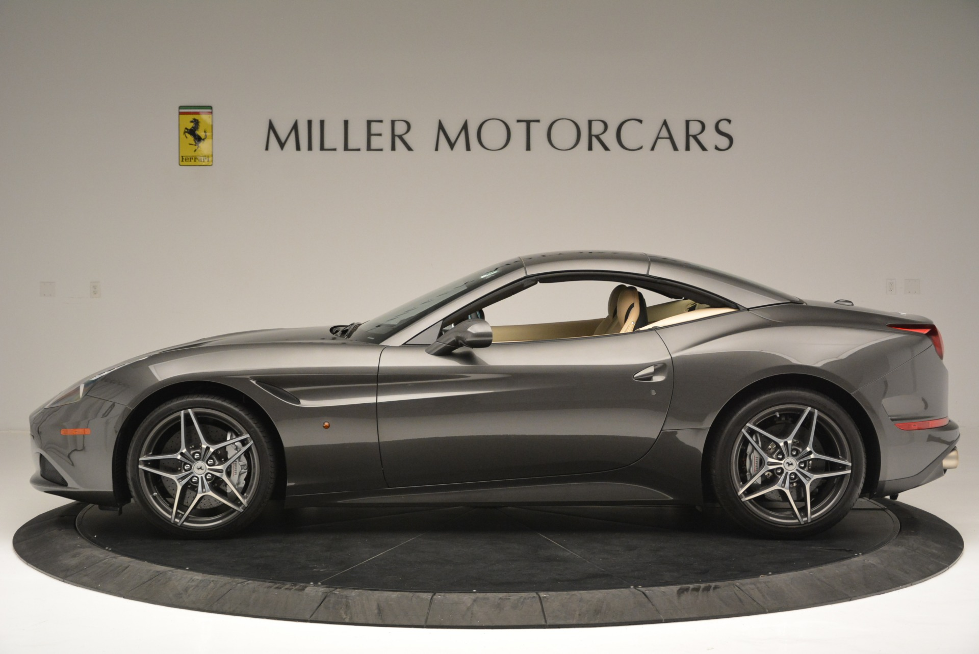 Used 2015 Ferrari California T  For Sale In Greenwich, CT 2415_p15