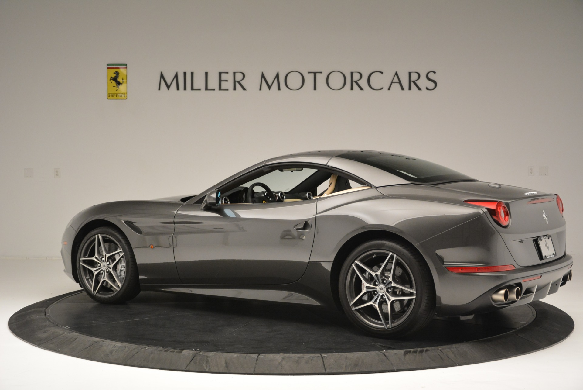 Used 2015 Ferrari California T  For Sale In Greenwich, CT 2415_p16