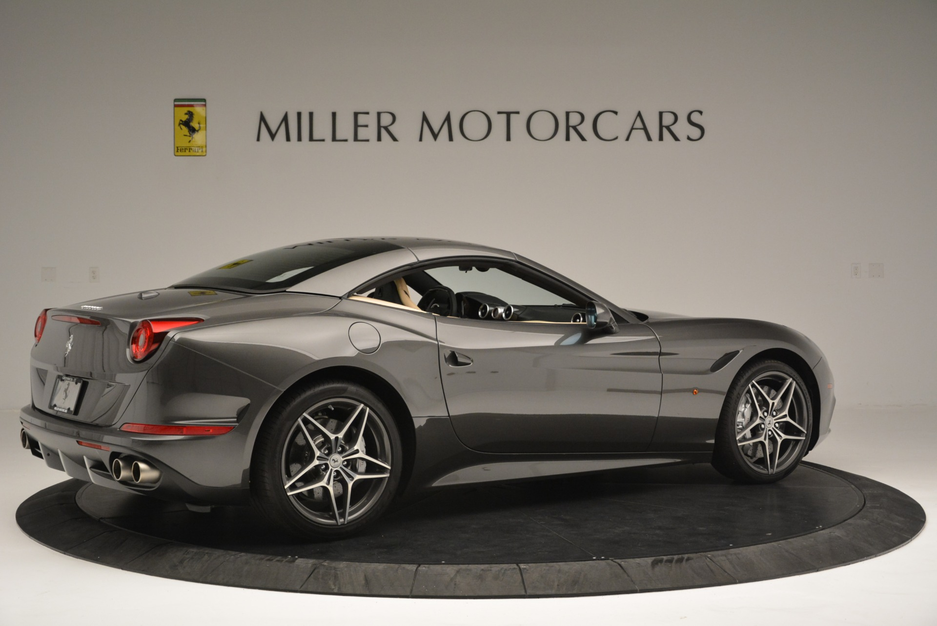 Used 2015 Ferrari California T  For Sale In Greenwich, CT 2415_p20