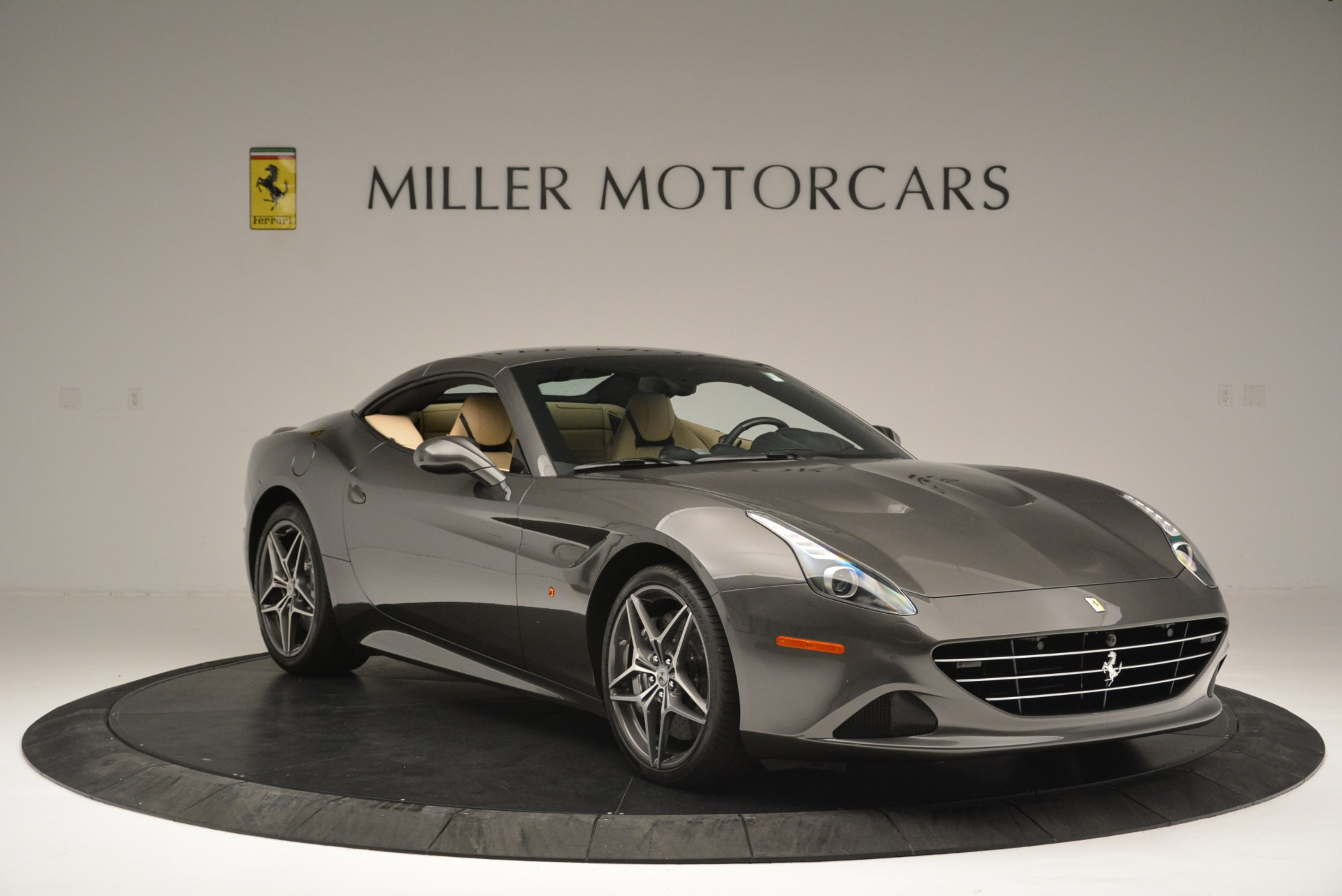 Used 2015 Ferrari California T  For Sale In Greenwich, CT 2415_p23