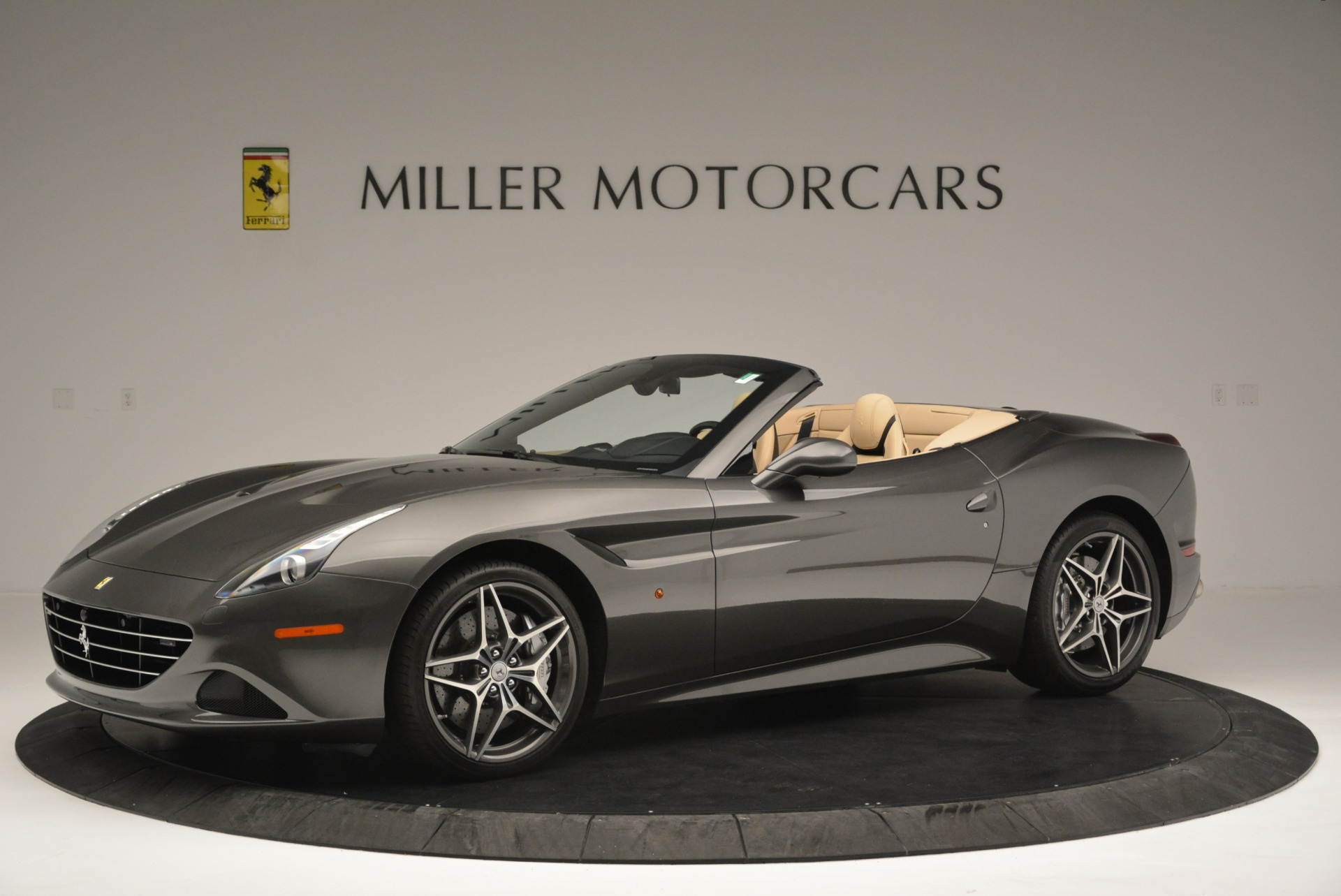 Used 2015 Ferrari California T  For Sale In Greenwich, CT 2415_p2