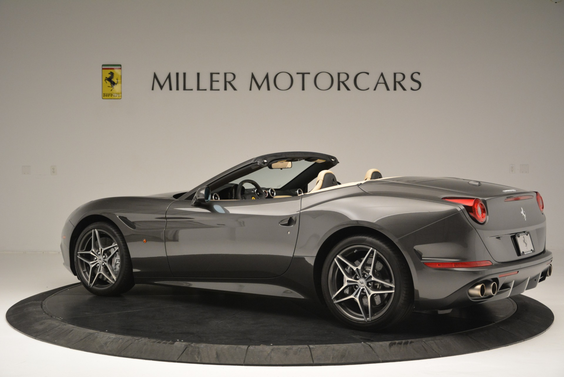 Used 2015 Ferrari California T  For Sale In Greenwich, CT 2415_p4