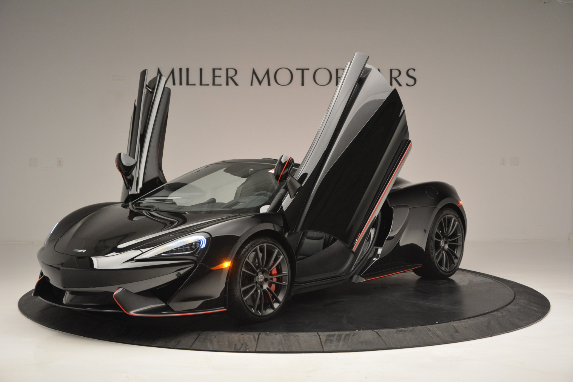 Used 2018 McLaren 570S Spider For Sale In Greenwich, CT 2420_p14