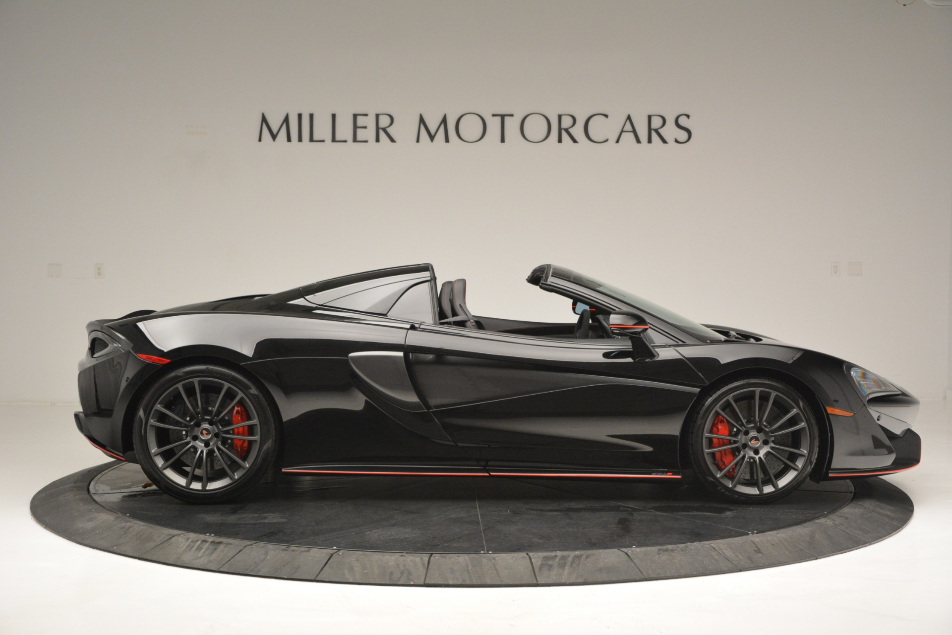 Used 2018 McLaren 570S Spider For Sale In Greenwich, CT 2420_p9