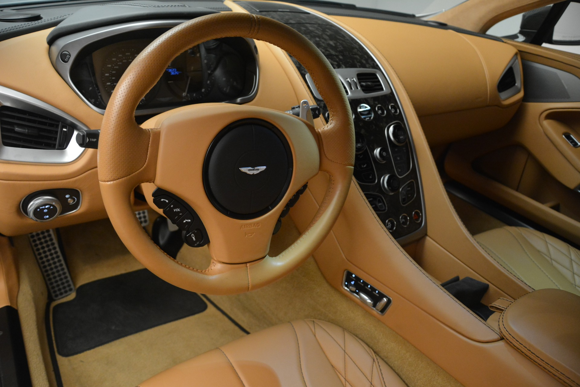 Used 2018 Aston Martin Vanquish S Coupe For Sale In Greenwich, CT 2421_p14