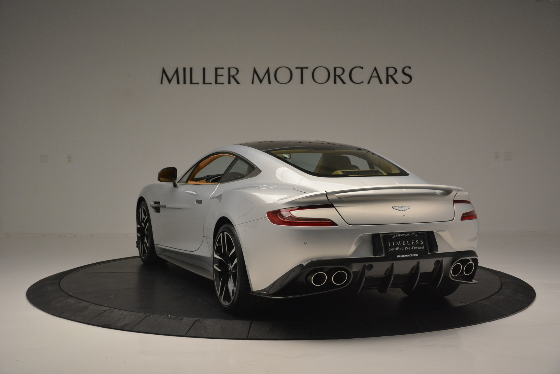 Used 2018 Aston Martin Vanquish S Coupe For Sale In Greenwich, CT 2421_p5
