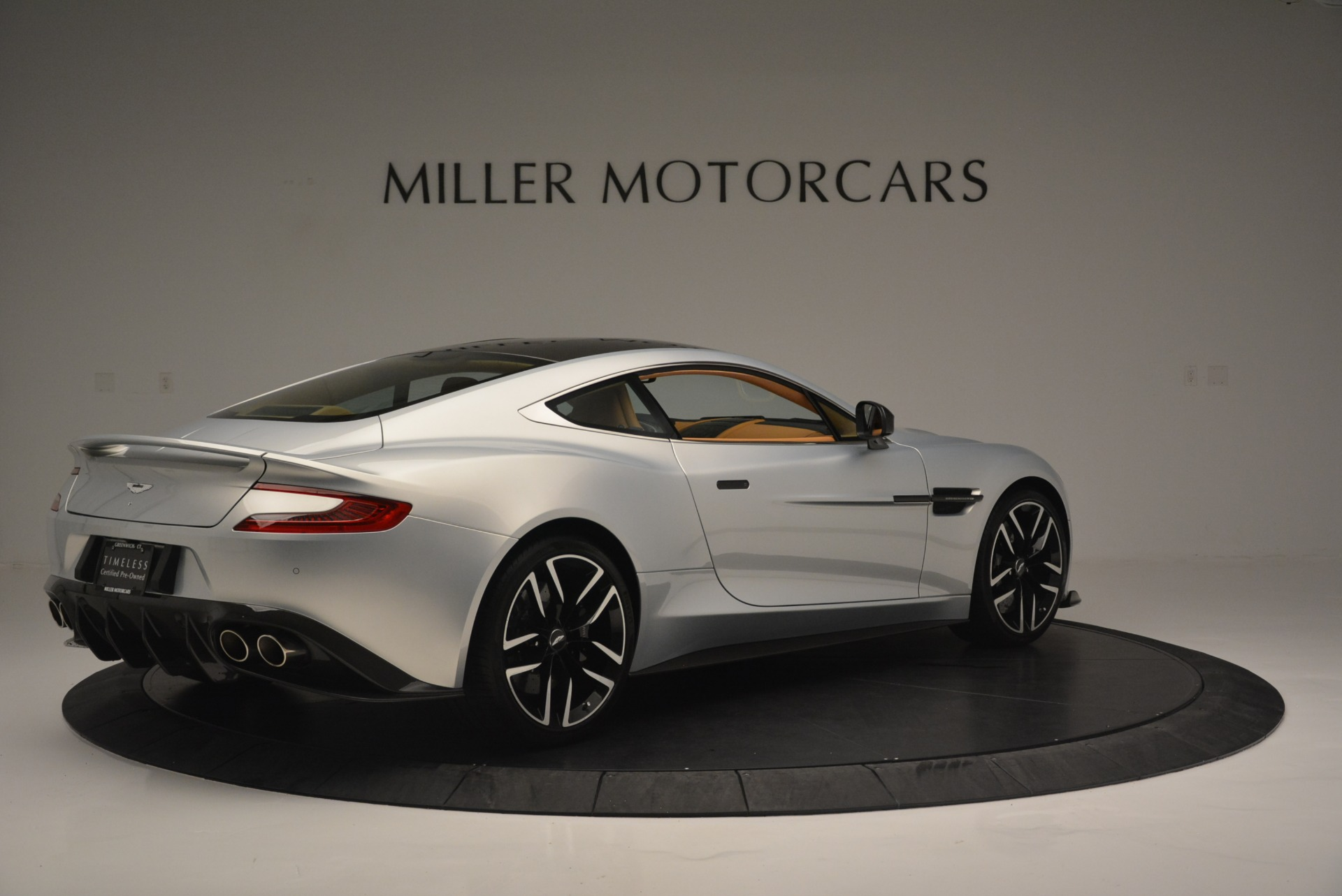 Used 2018 Aston Martin Vanquish S Coupe For Sale In Greenwich, CT 2421_p8