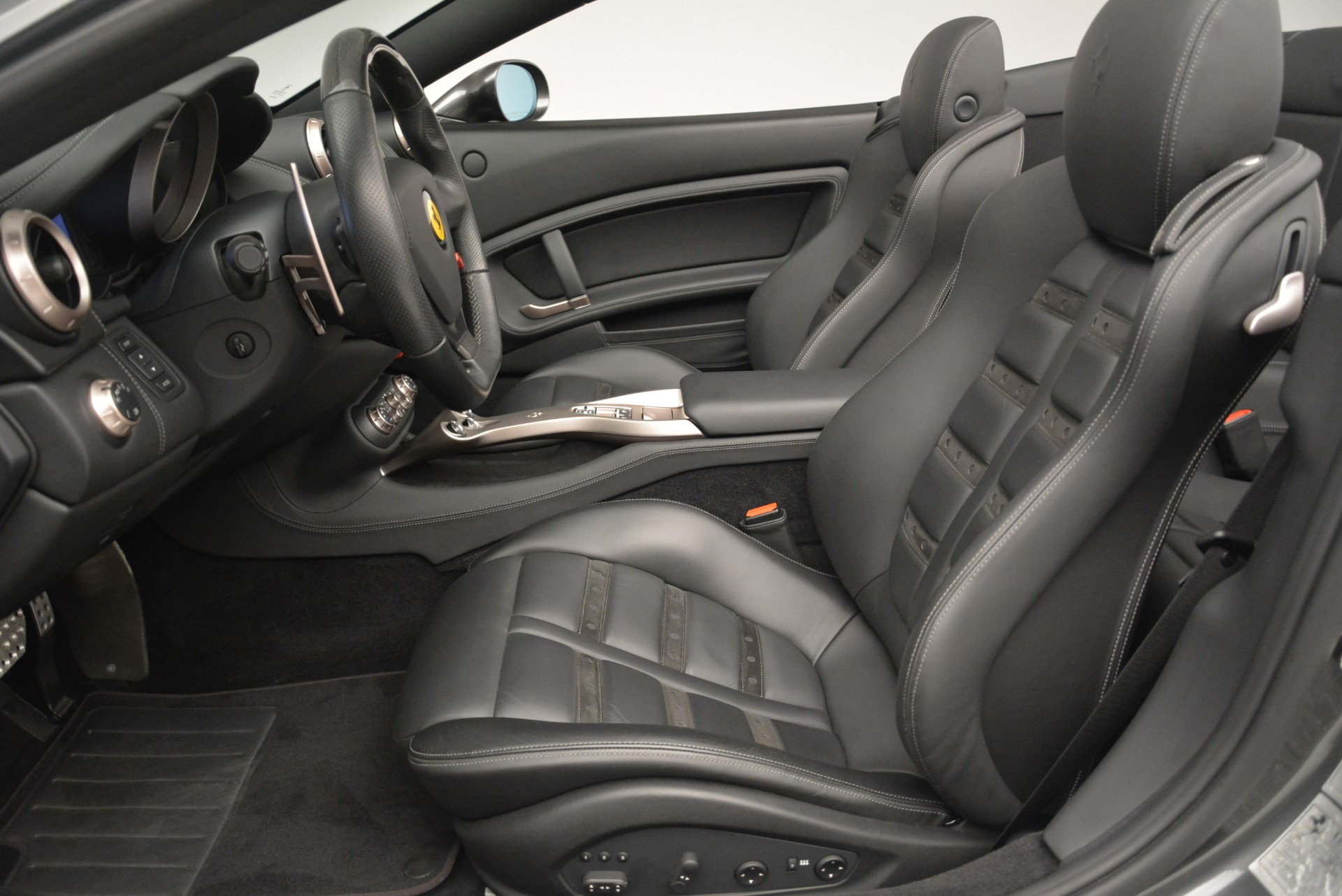 Used 2010 Ferrari California  For Sale In Greenwich, CT 2424_p26
