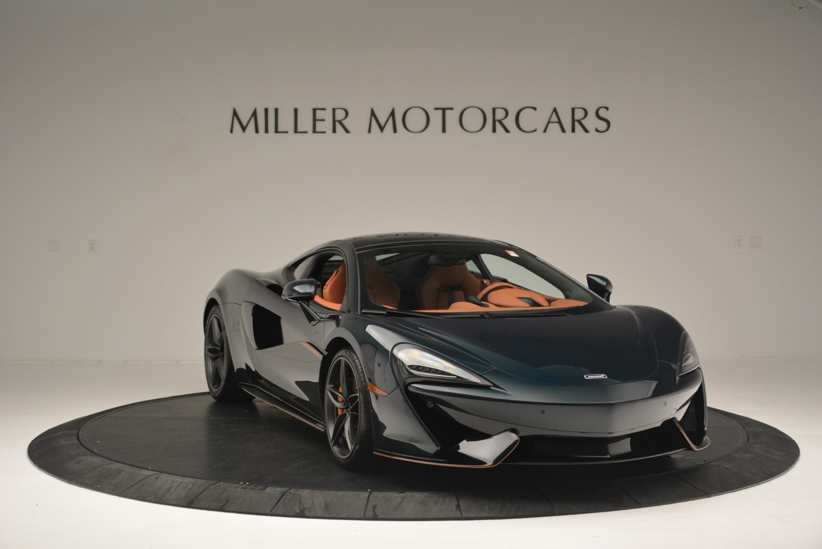 Used 2018 McLaren 570GT Coupe For Sale In Greenwich, CT 2425_p11