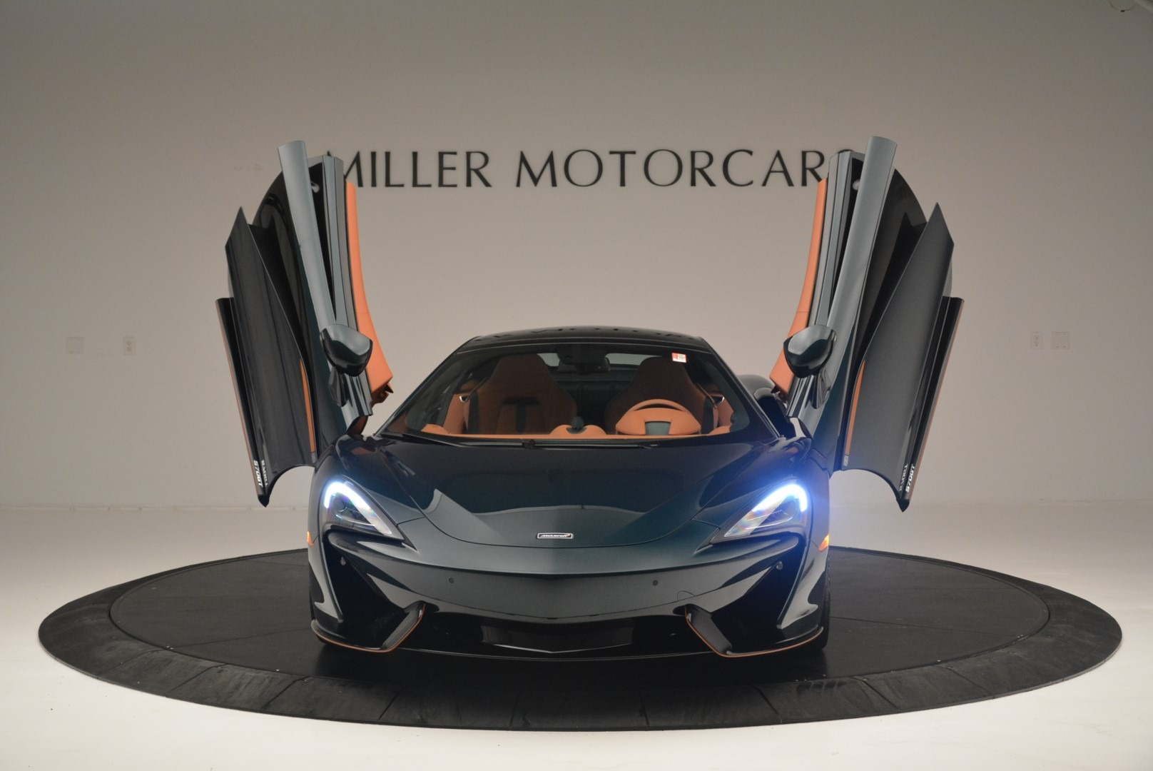 Used 2018 McLaren 570GT Coupe For Sale In Greenwich, CT 2425_p13