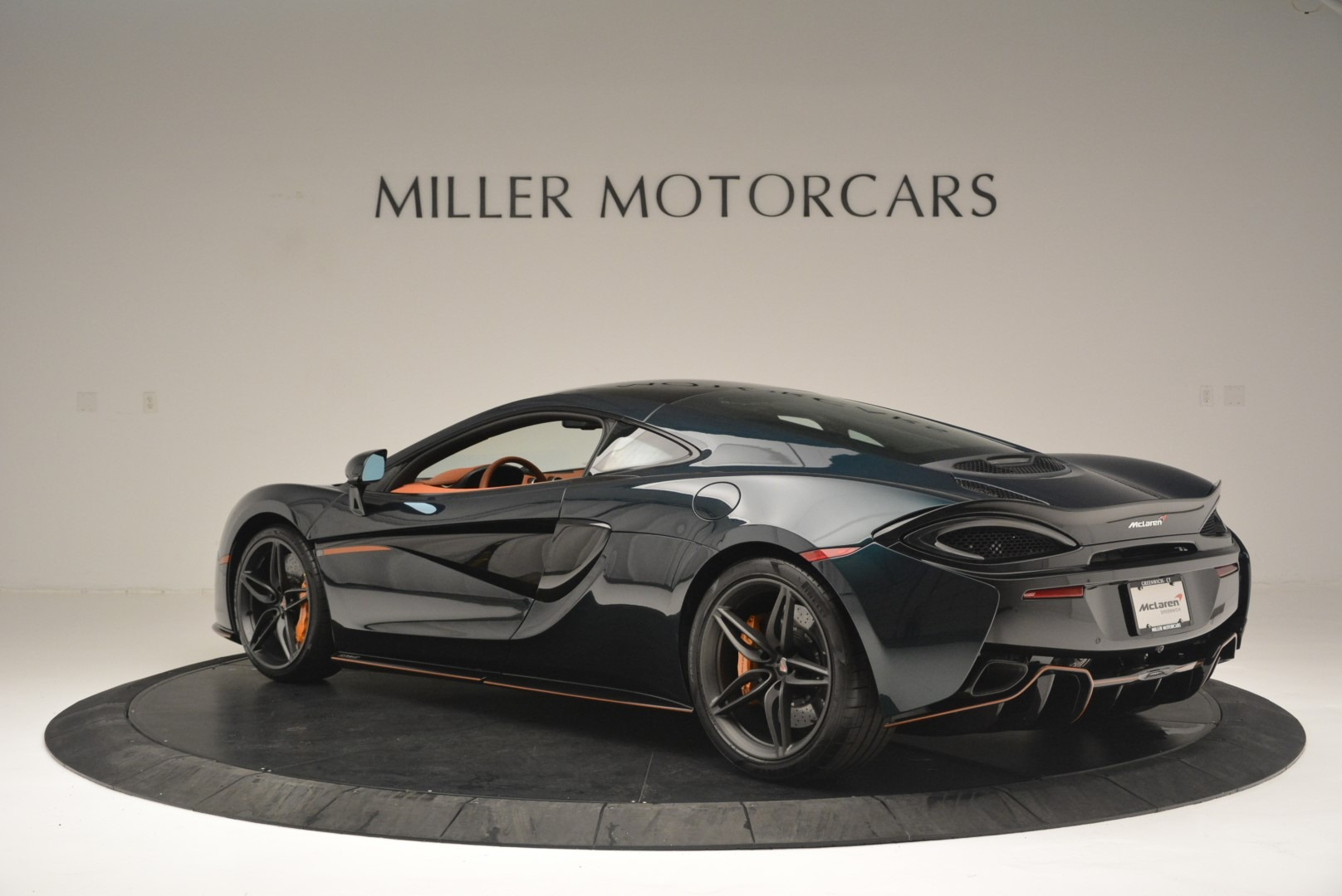 Used 2018 McLaren 570GT Coupe For Sale In Greenwich, CT 2425_p4