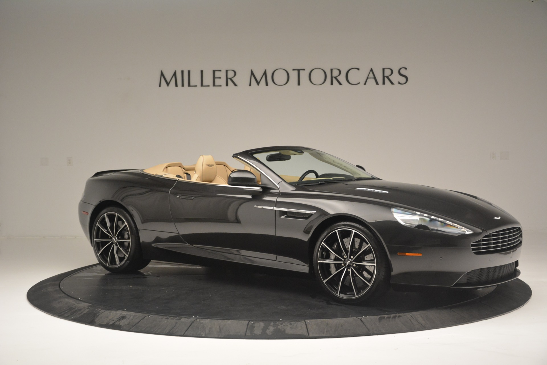 Used 2016 Aston Martin DB9 GT Volante For Sale In Greenwich, CT 2429_p10