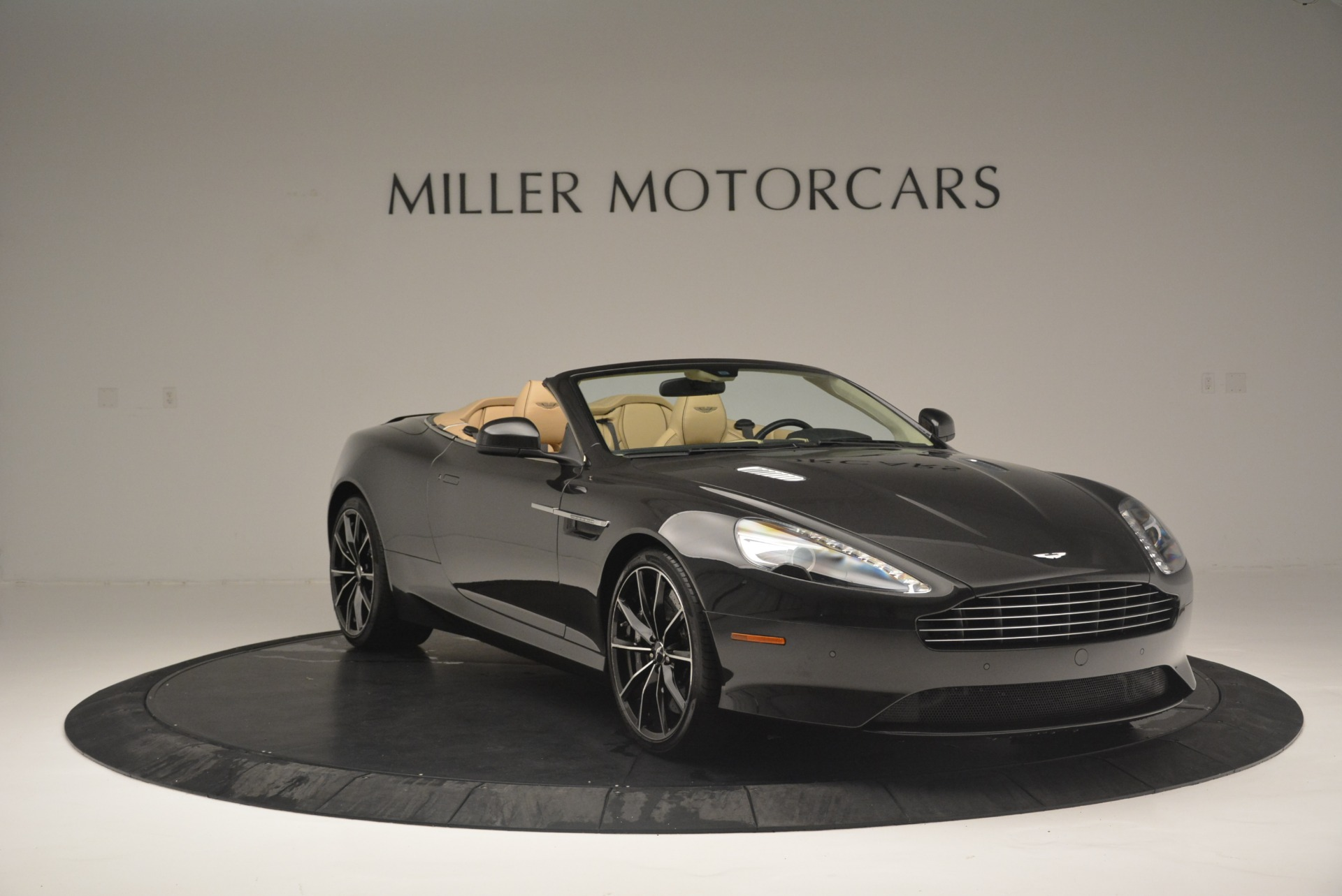 Used 2016 Aston Martin DB9 GT Volante For Sale In Greenwich, CT 2429_p11