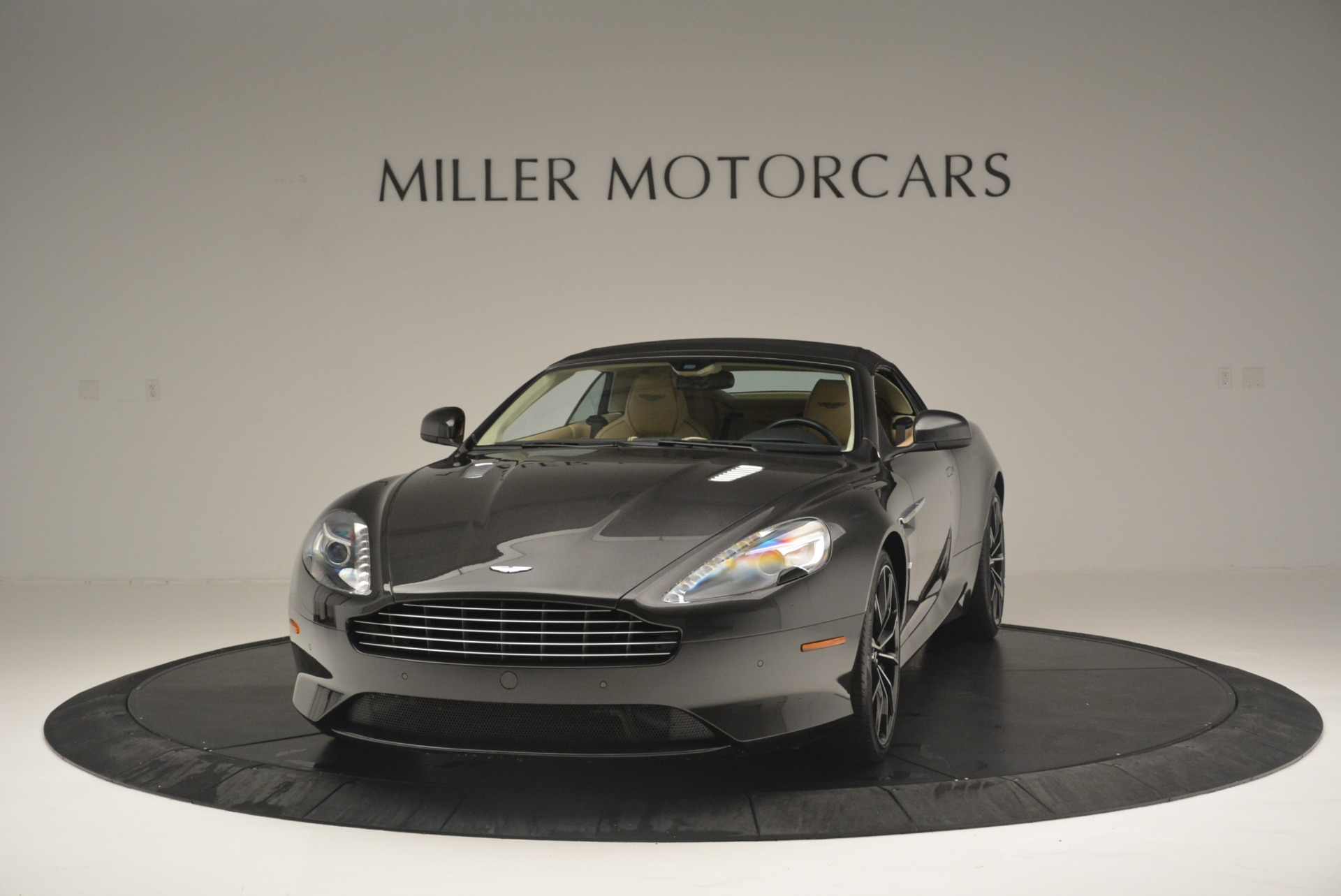 Used 2016 Aston Martin DB9 GT Volante For Sale In Greenwich, CT 2429_p13