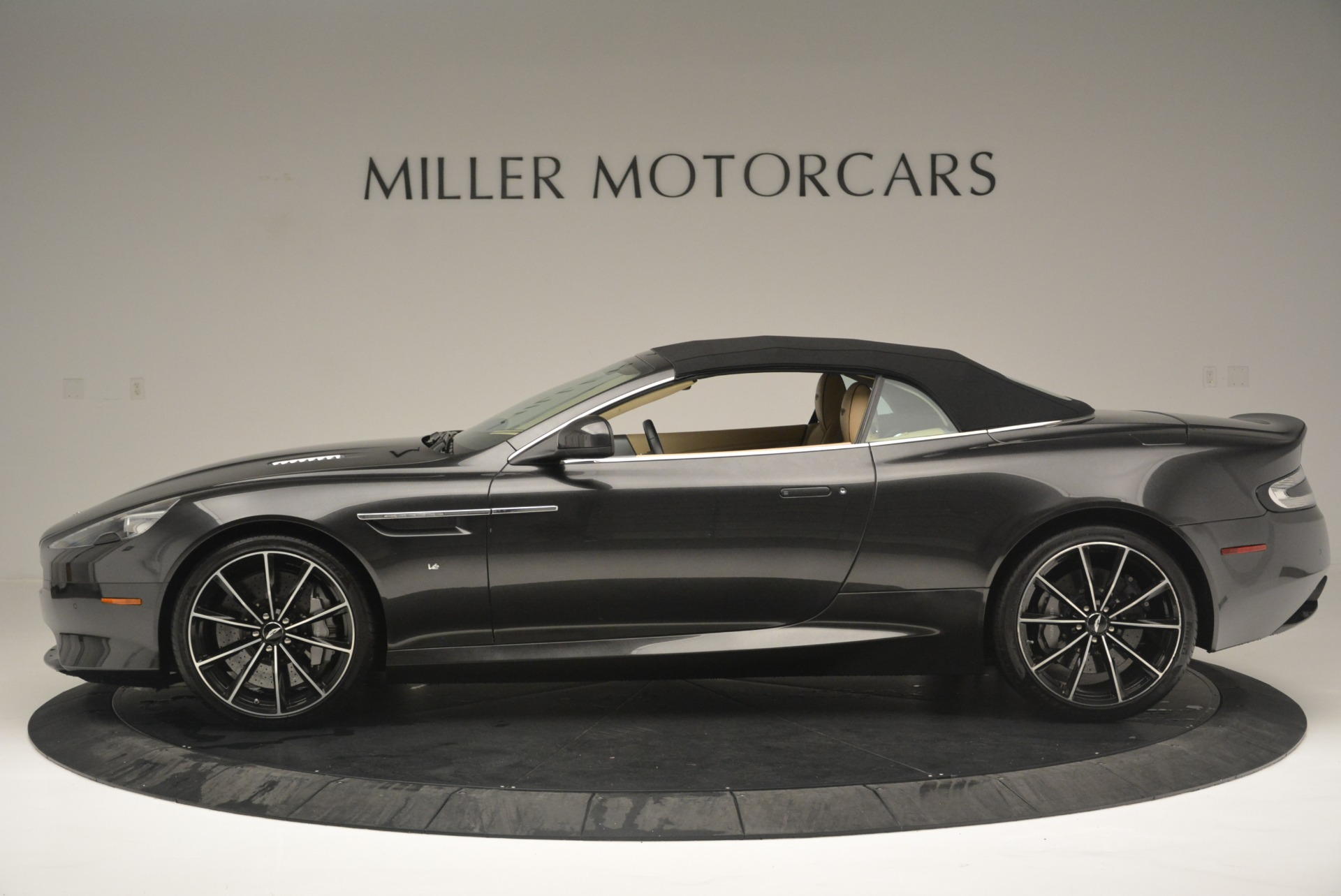 Used 2016 Aston Martin DB9 GT Volante For Sale In Greenwich, CT 2429_p15