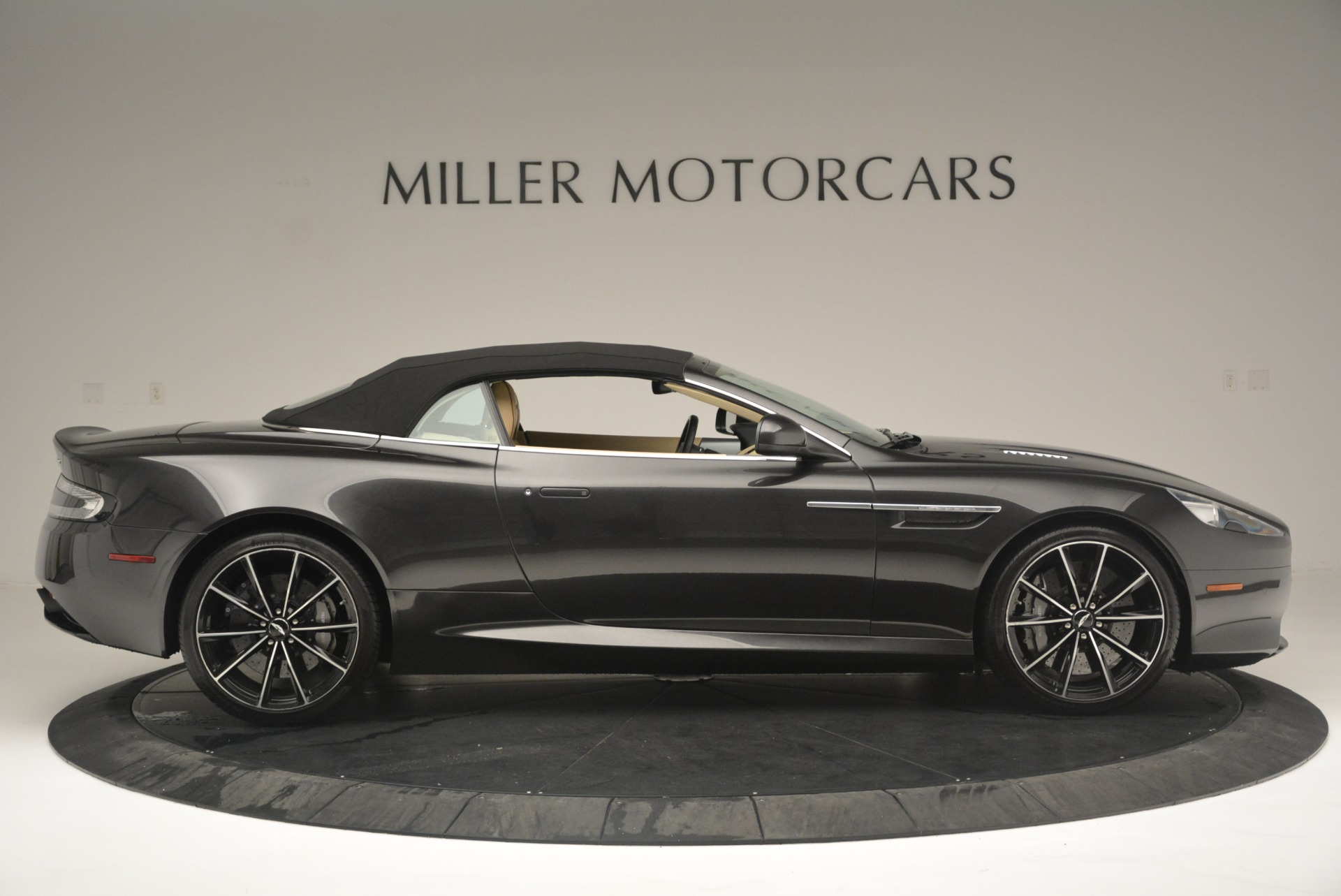 Used 2016 Aston Martin DB9 GT Volante For Sale In Greenwich, CT 2429_p21