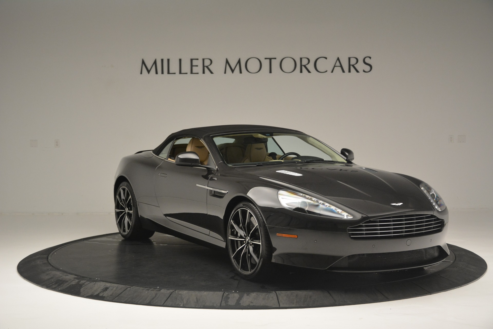 Used 2016 Aston Martin DB9 GT Volante For Sale In Greenwich, CT 2429_p23