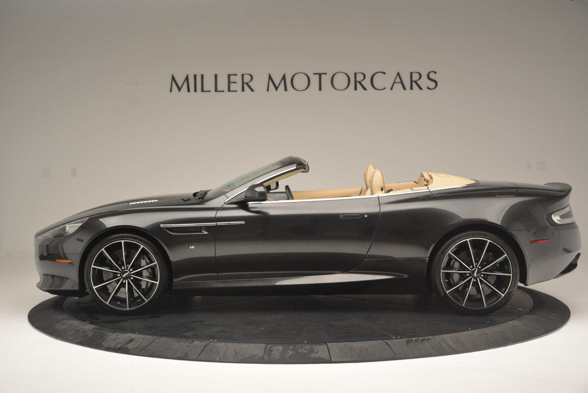 Used 2016 Aston Martin DB9 GT Volante For Sale In Greenwich, CT 2429_p3