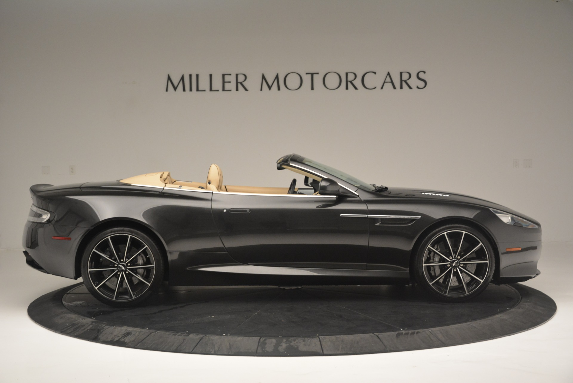Used 2016 Aston Martin DB9 GT Volante For Sale In Greenwich, CT 2429_p9
