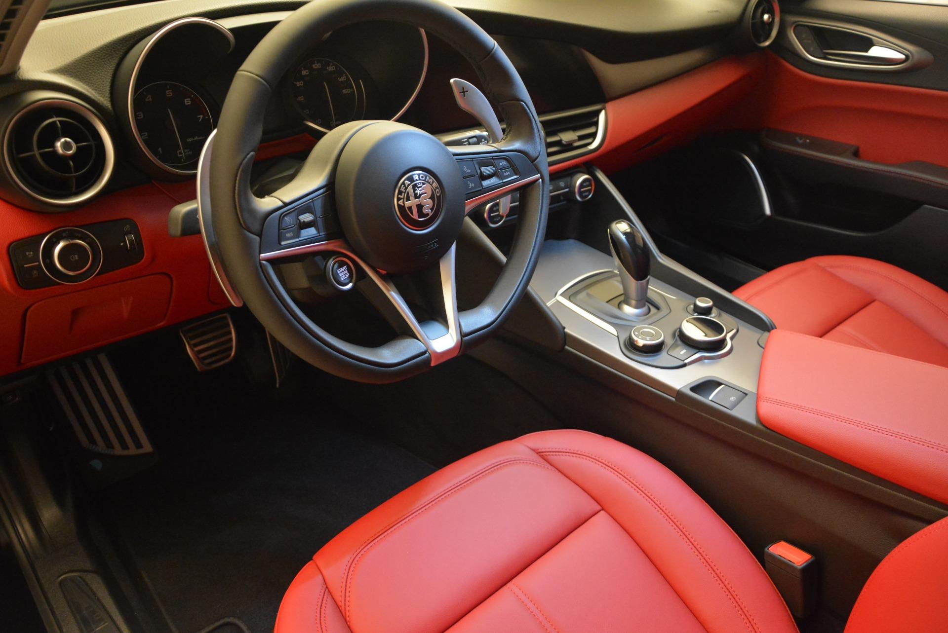 New 2018 Alfa Romeo Giulia Sport Q4 For Sale In Greenwich, CT 2440_p15