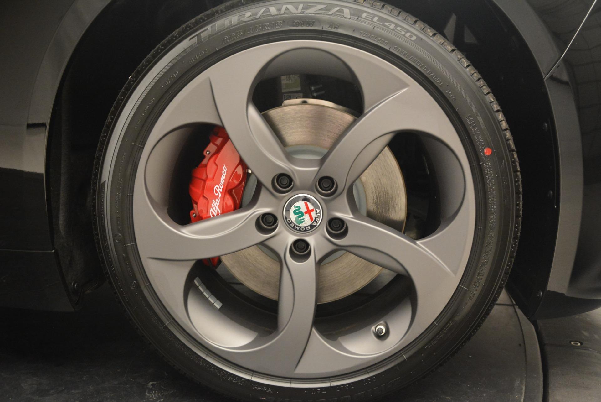 New 2018 Alfa Romeo Giulia Sport Q4 For Sale In Greenwich, CT 2440_p19