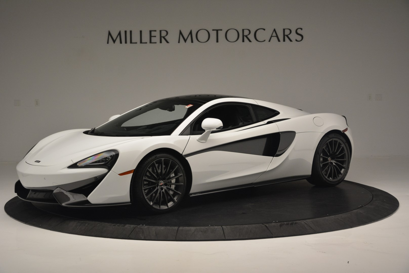 Used 2018 McLaren 570GT  For Sale In Greenwich, CT 2442_p2