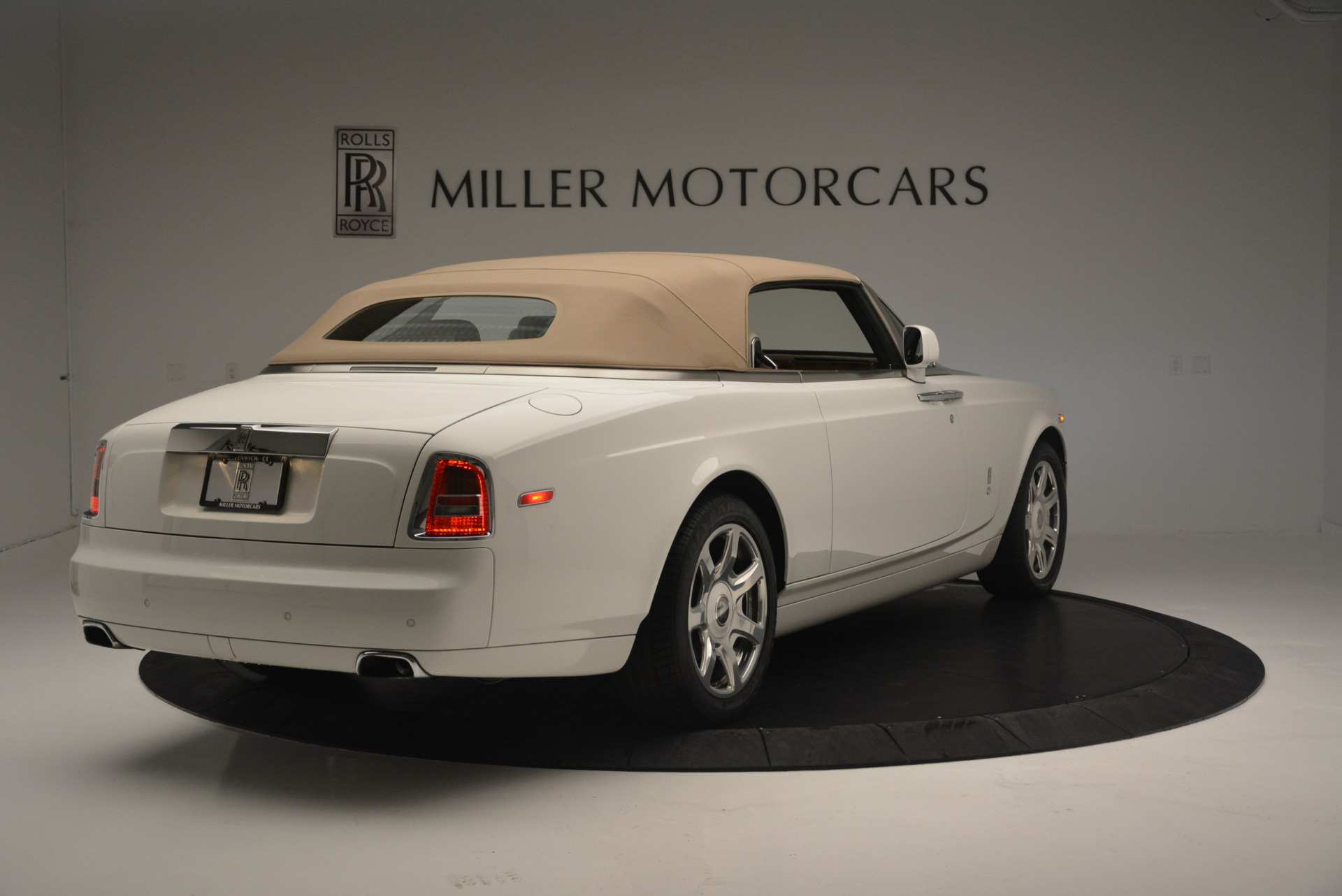 Used 2013 Rolls-Royce Phantom Drophead Coupe  For Sale In Greenwich, CT 2444_p13