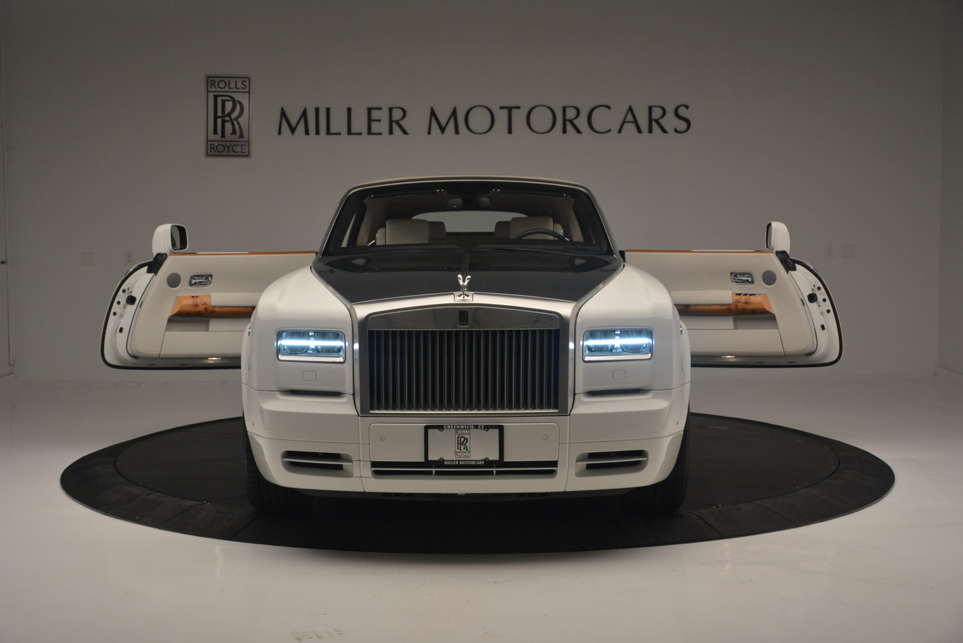 Used 2013 Rolls-Royce Phantom Drophead Coupe  For Sale In Greenwich, CT 2444_p16