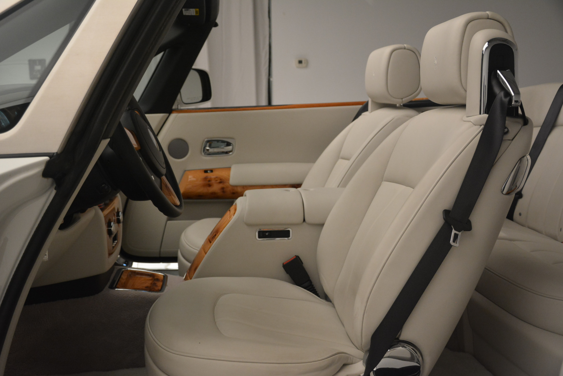 Used 2013 Rolls-Royce Phantom Drophead Coupe  For Sale In Greenwich, CT 2444_p26