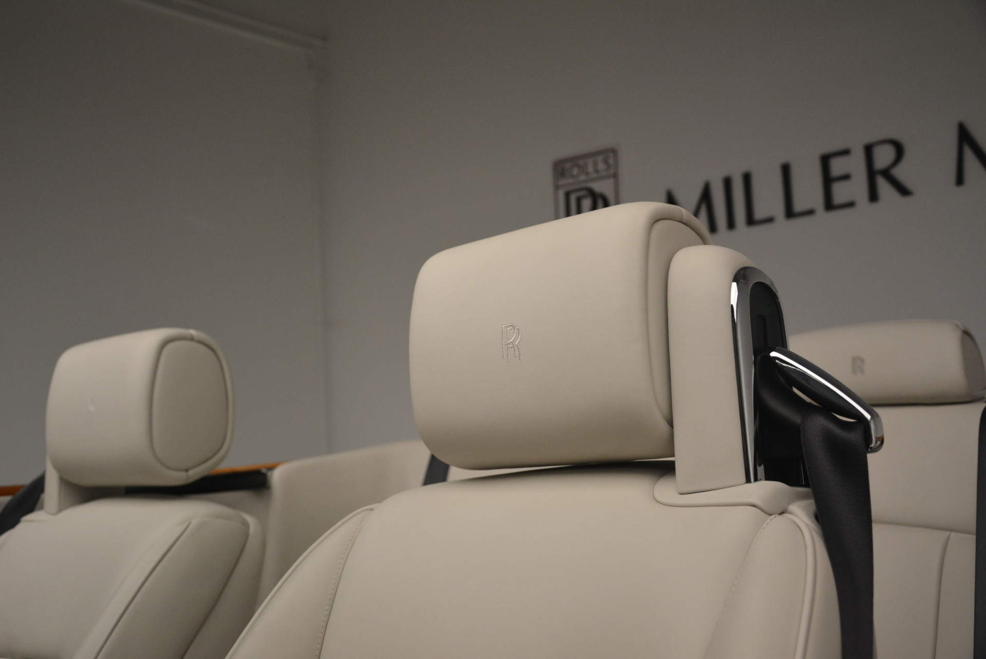 Used 2013 Rolls-Royce Phantom Drophead Coupe  For Sale In Greenwich, CT 2444_p28